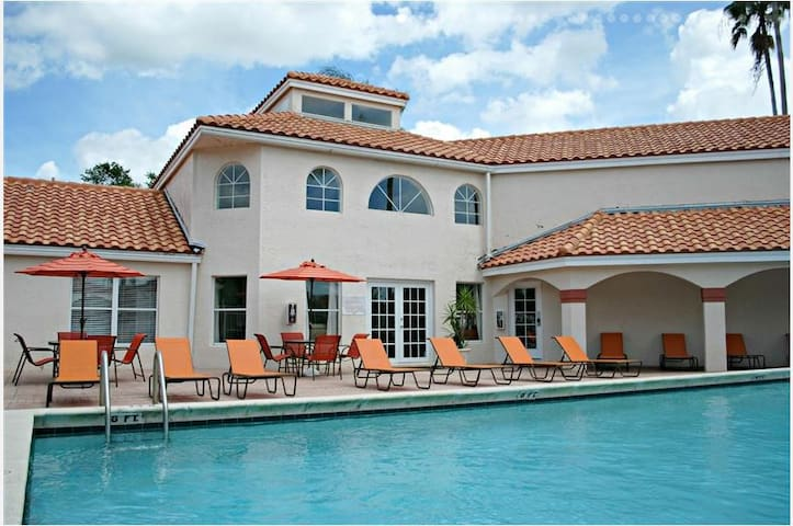 Convenient South Florida location - Coconut Creek - Apartment