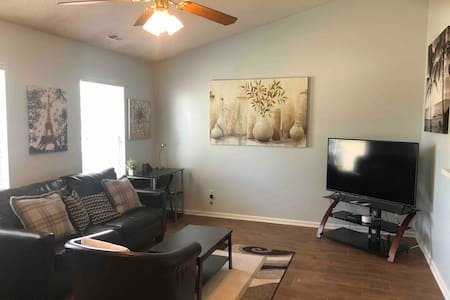 Cozy Living close to Shopping and Camp Lejeune