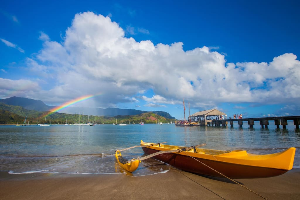 A quick five-minute drive takes you to iconic Hanalei Bay, where you can paddle, surf, or simply relax in stunning surroundings.