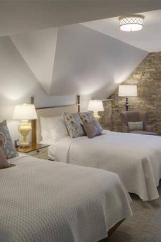 Granville Inn, 2 Queen Beds