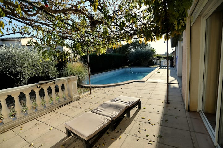 Belle maison individuelle piscine privée