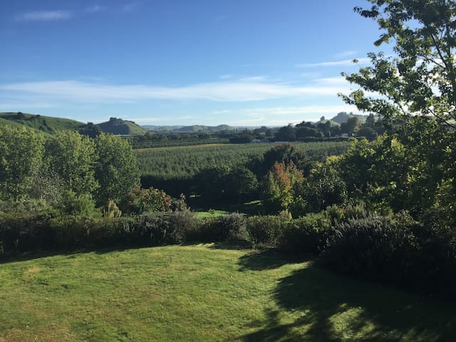 Idyllic country retreat close to town - Puketapu - Haus