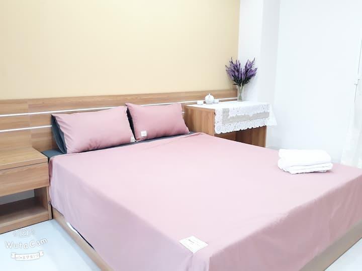 Love Homestay- Pink Room
