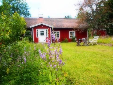 Avskild, mysig Bagarstuga i Knivsta, nära Arlanda