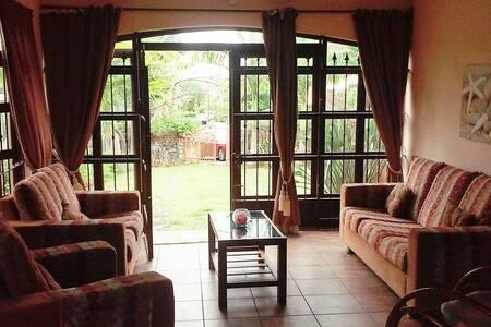 Two bedroom  gd floor la gaulette - La Gaulette, Rivière Noire, MU