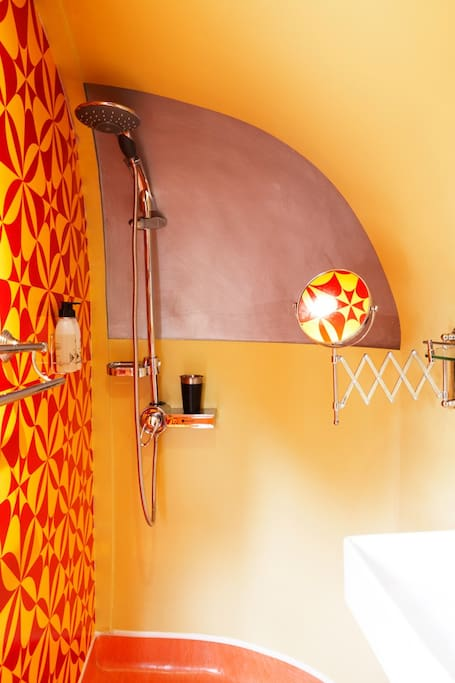 Safari Rooftop Airstream Trailer Bathroom