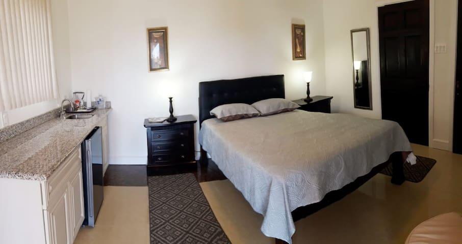 GC Villa | Comfort Room
