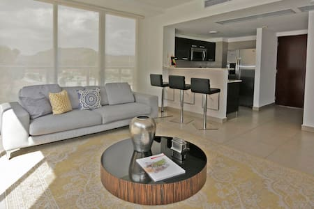 Beautiful modern 1 bedroom apartment
