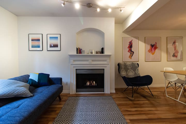 Peaceful, Private Room in the Heart of Kitsilano