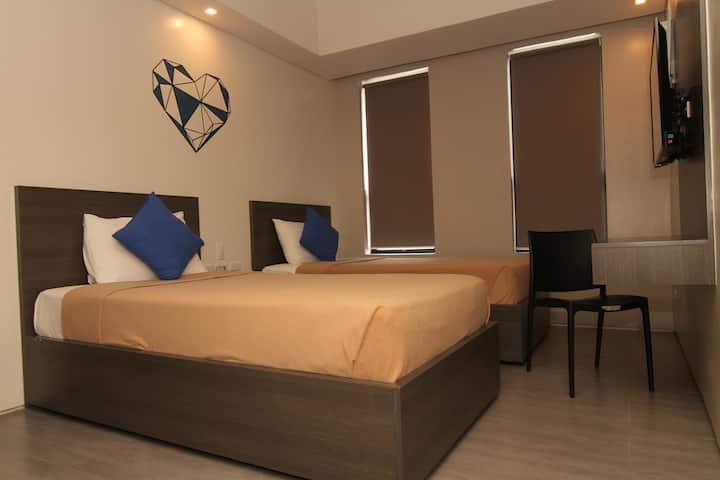 Superior Room @ Mabolo Royal Hotel