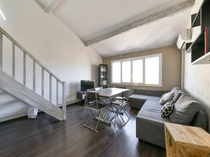 Charming duplex w/ AC in the Old Town of Aix-en-Provence – Welkeys