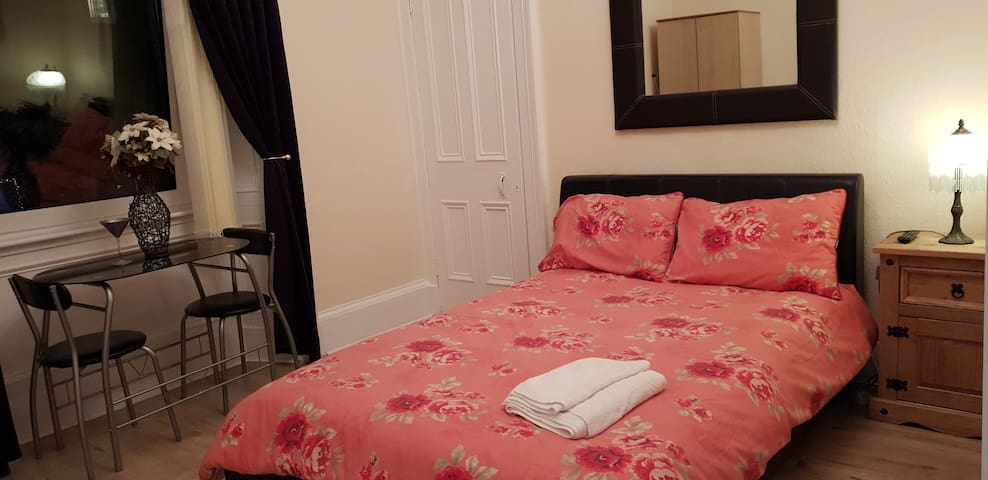 1182 Cozy en suite double room 4  free WiFi