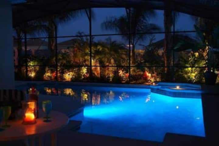 4/4 PRIVATE Tropical Pool/Spa Handicap accessible