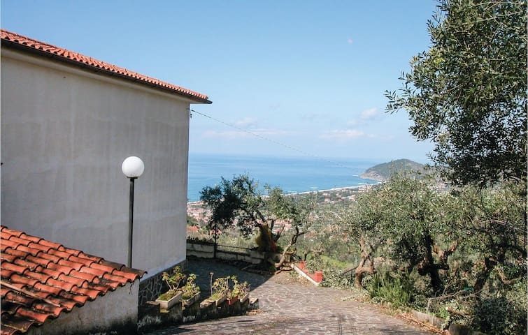 Holiday cottage with 3 bedrooms on 140 m² in Castellabate SA