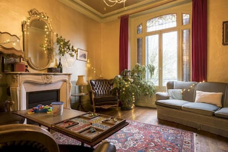 Lovely Holiday Home in La Neuville-lès-Wasigny near Woinic