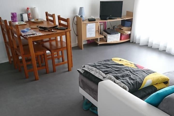 Petit appartement avec balcon