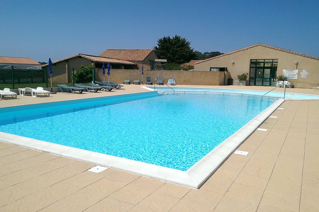 Lovely House Near The Sea Tennis Swimming Pool Holiday Homes For Rent In Talmont Saint