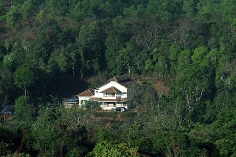 GundiMane - Room 1