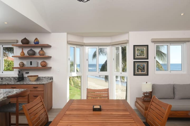 Beachfont Luxury Apartment at Playa Colorados