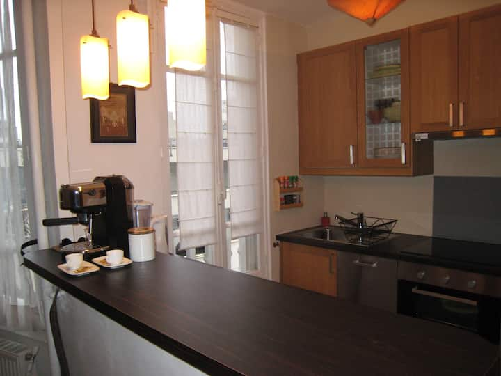 Lovely appartment 10min metro from Paris Center