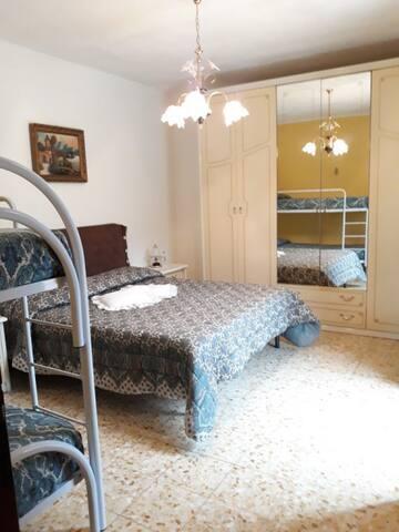 Camera da letto piano primo