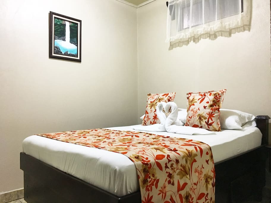 Spaciuos Rooms and excellent Orthopedic Bed to rest after a day  of hot springs with A/C