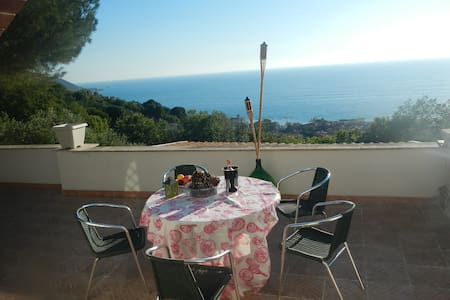 Villa Rosy - 2 bed apartment with huge terrace - Castellabate - 別荘