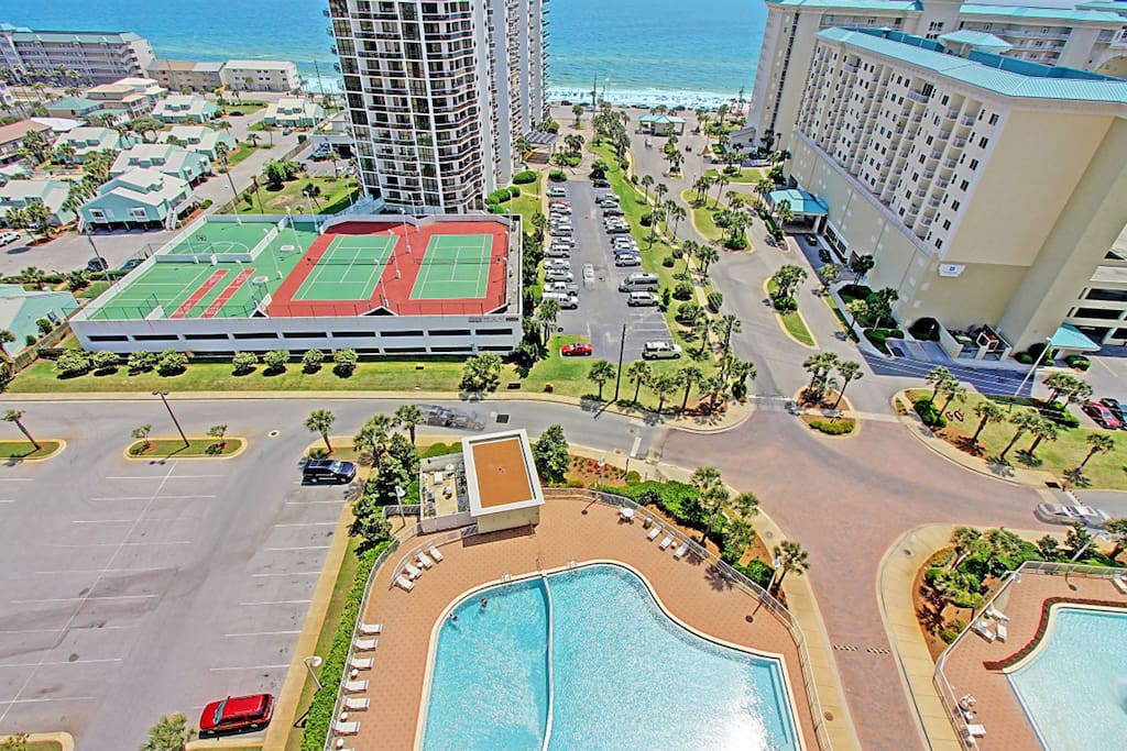 Pool, tennis courts and the gulf