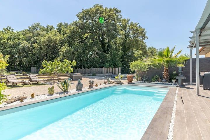 Serene Villa in Saint-Victor-la-Coste with Private Pool