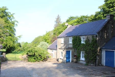 Secluded restored farmhouse Wicklow/Carlow border - Clonmore - บ้าน
