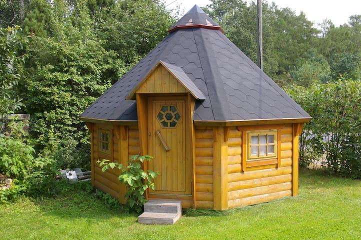 House with lovely garden - Tartu - Konukevi
