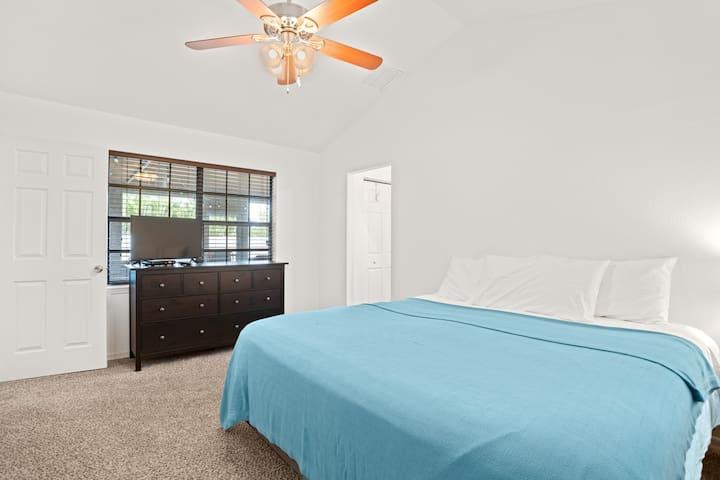 Big bedroom #1, because you deserve the big bed.