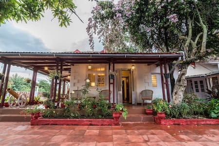 Colonial 4BR Home, Great for Families, Coonoor - E-PASS REQUIRED BEFORE BOOKING