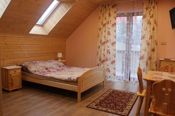 warm violet room - Jasienica - Лофт