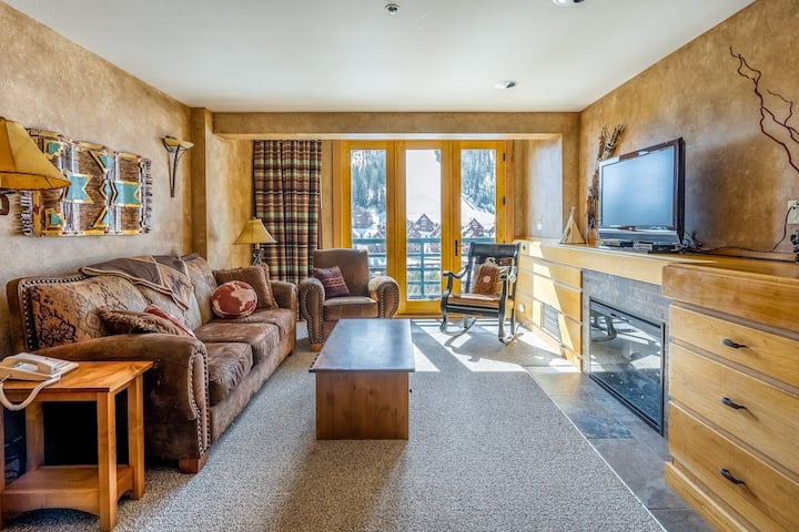 Ski-in/ski-out condo w/ access to a shared heated pool/hot tub, & mountain views