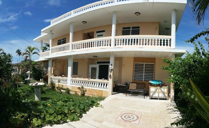 VillaMarsana Guesthouse of Wellness BigSuite w/2BR