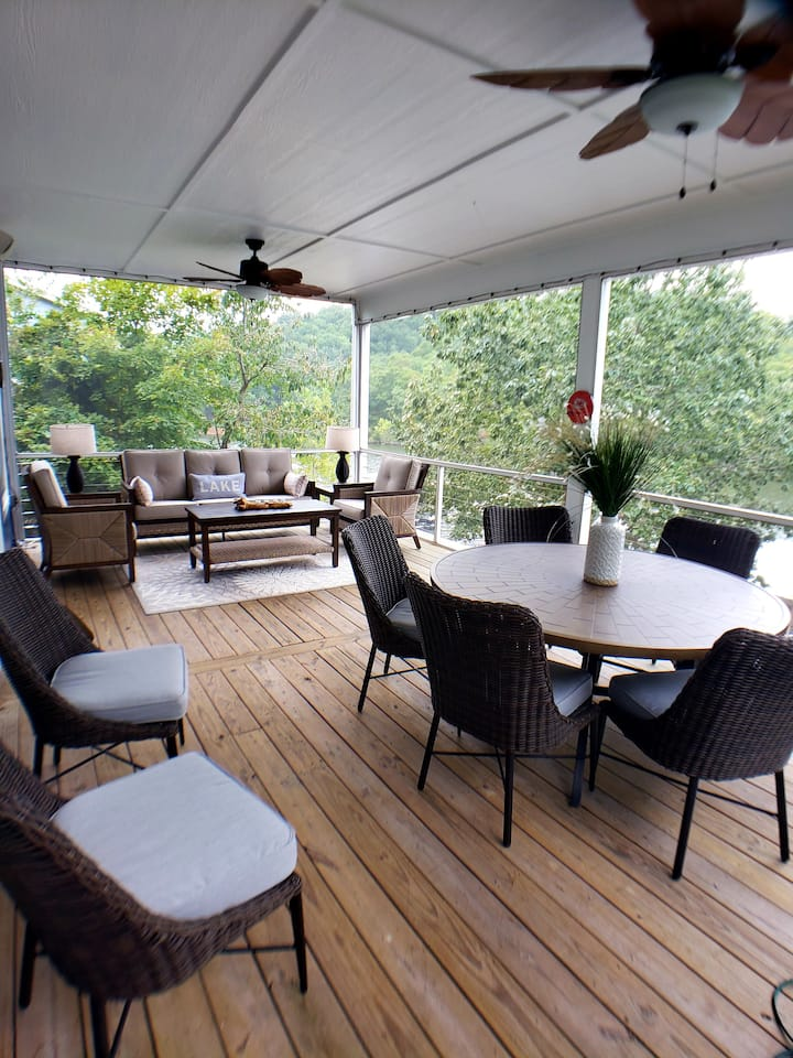 New Listing - LOTO Lakefront Living on the 48 mm