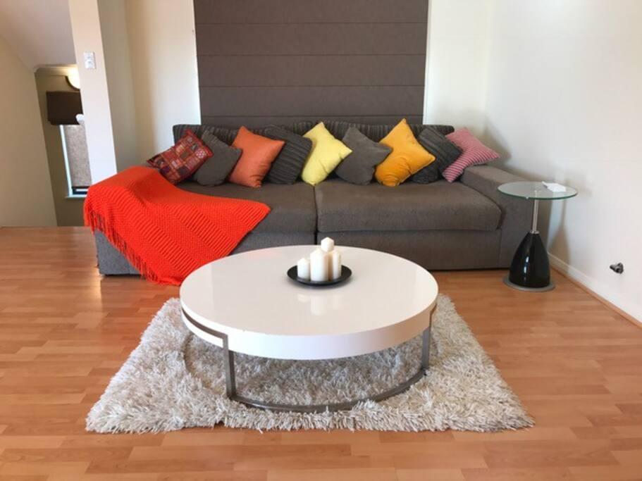 Lounge on level 2
