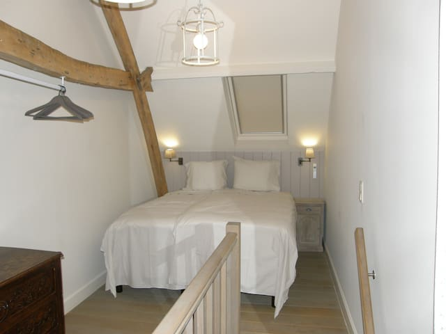 Hagepoorter 1 - Hornbeam Bedroom