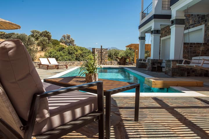Villa Inbal 7 bedroom villa next to the beach