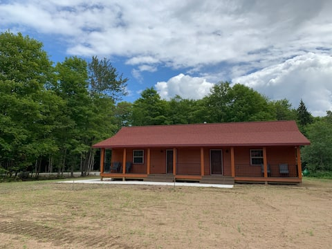 Pictured Rocks Cabins (Grand Island Suite) NEW