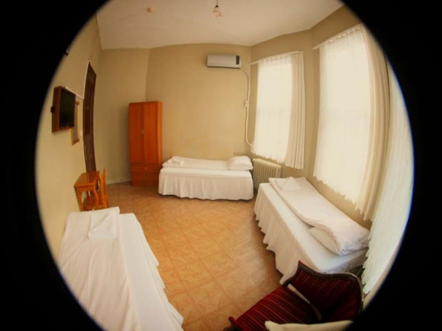 TRIPLE ROOM WİTH SHARED BATHROOM