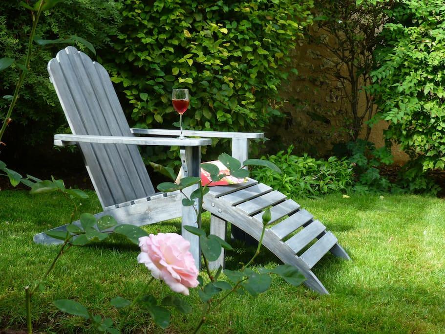 Maison gite jardin des roses au c ur de poitiers maisons louer poitiers poitou charentes - Maison jardin paris poitiers ...
