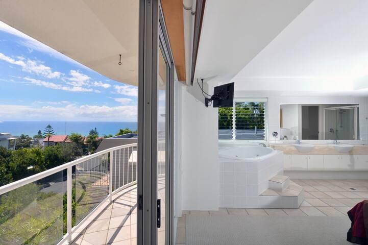 Moroccan - Ocean View Apartment - Sunshine Beach - Apartment