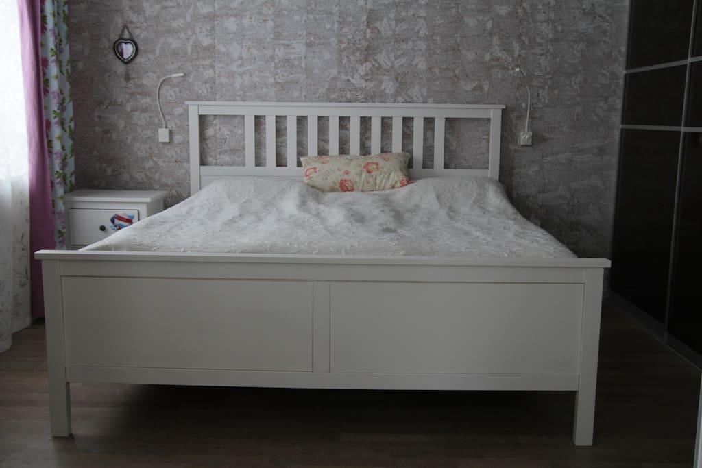 Кровать 180х200см с первокласными матрасами
