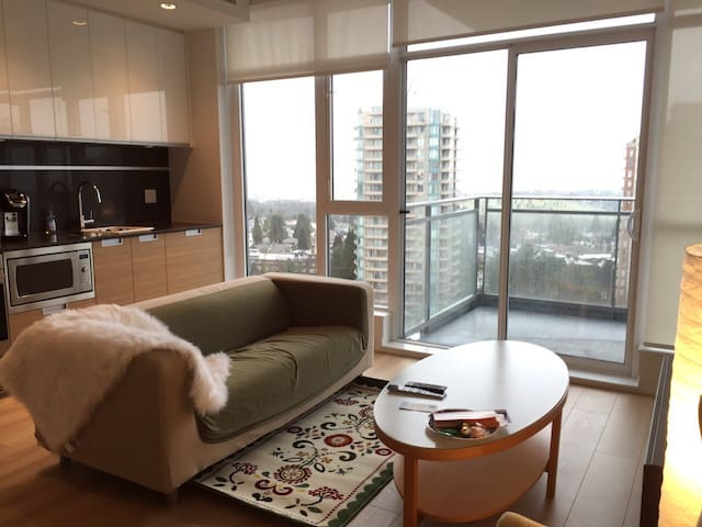 Comfortable Convenience - Metrotown - Burnaby - Apartment