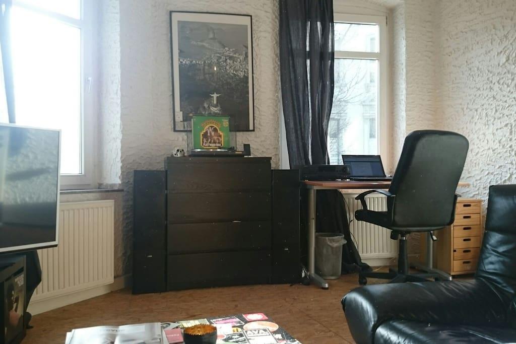 das Zimmer / the room
