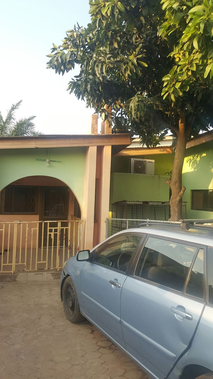 Double room quarters in Ghana close to theairport
