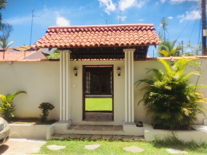 Villa house in Thalawathugoda