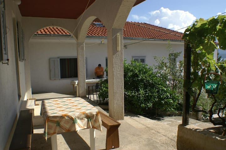One bedroom apartment with terrace and sea view Stanići, Omiš (A-1027-c)